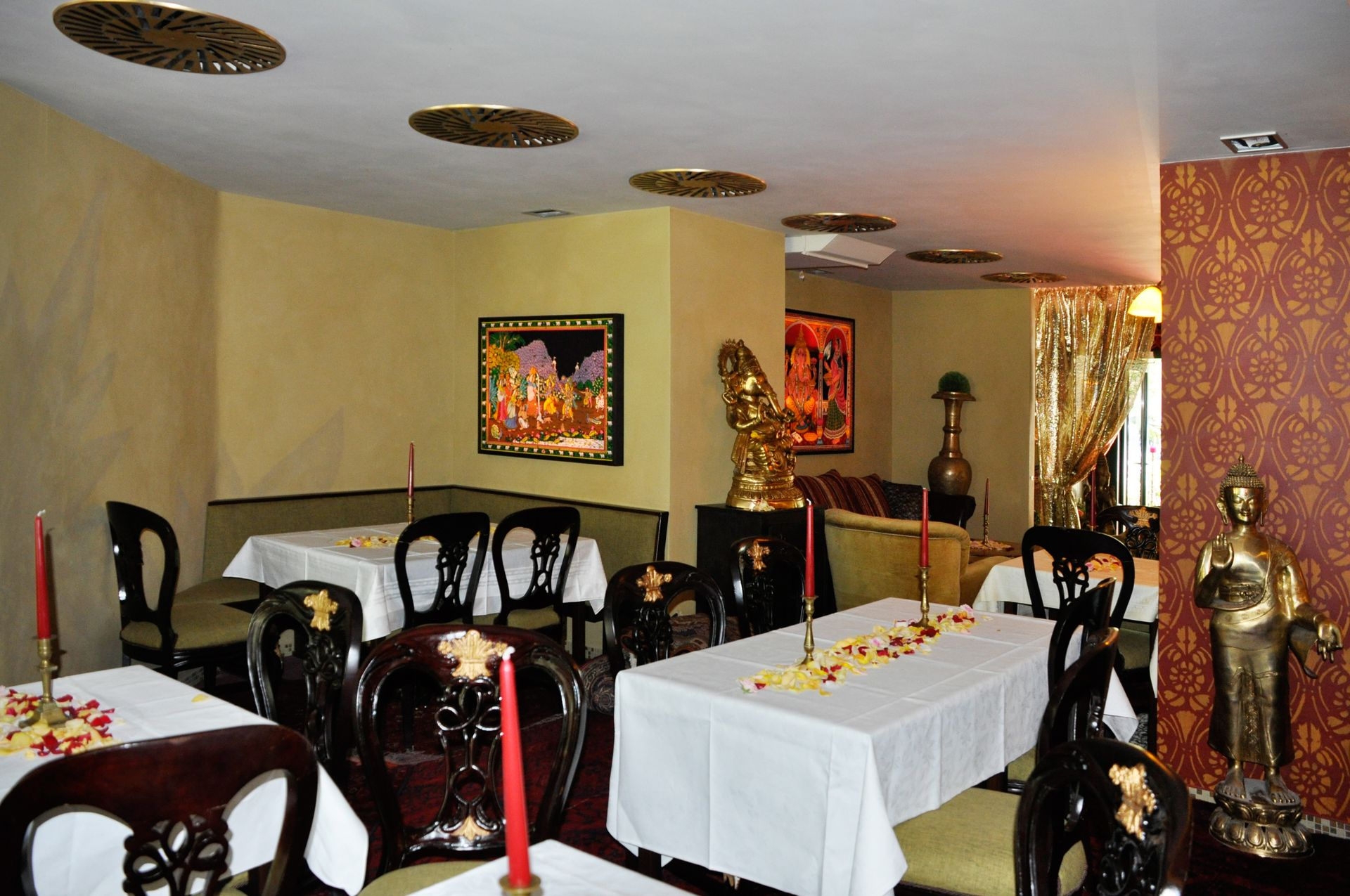 Wandgestaltung im Restauant Maharani in den Grindelhochhäusern