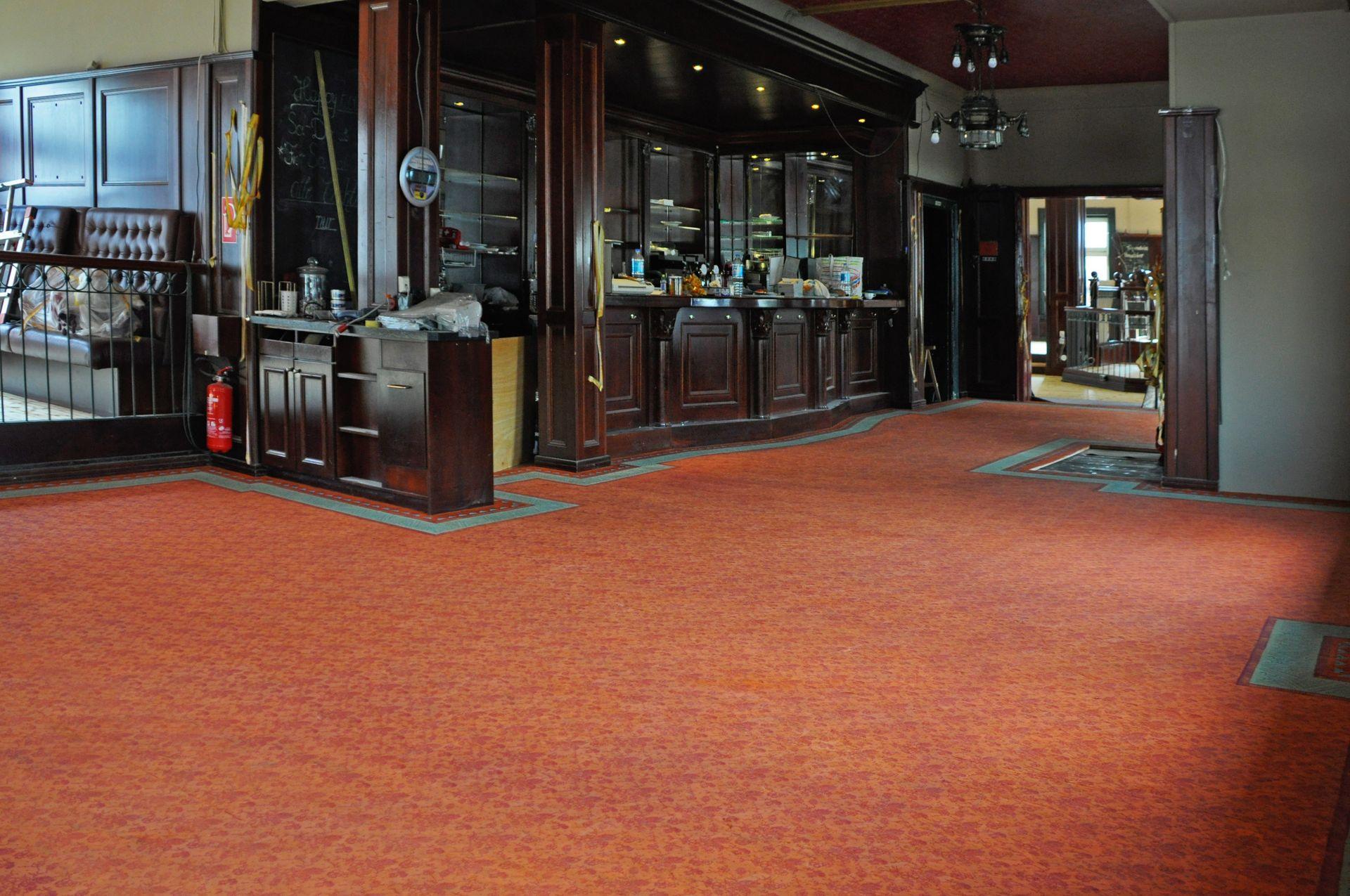 Fußbodenbemalung in Teppichanmutung im Restaurant Maharaja am Neuen Pferdemarkt